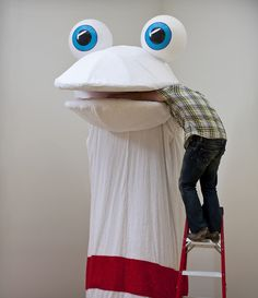 Mike Simi made a giant robotic sock puppet!