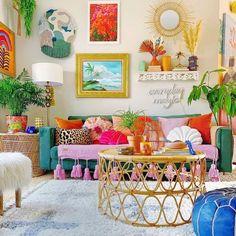 Estilo Kitsch, Colorful Apartment, Colourful Living Room, Eclectic Decor, Funky Home Decor, Boho Decor, Home Decor Inspiration, Decor Ideas, House Colors
