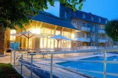Mercure Les Bains Romains : hôtel 3 étoiles disposant de 71 chambres et 6 salles de réunion pouvant accueillir jusqu'à 100 personnes. http://www.aleou.fr/salle-seminaire/1945-mercure-les-bains-romains.html