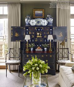 Chic Chinoiserie-New York Apartment. Cathy Kincaid Beautifully Styled This Blue and White Collection in an Antique Queen Anne Secretary Featured in the January/February 2016 Veranda. Sunday Inspiration, Interior Inspiration, Desk Inspiration, Home Interior, Interior Decorating, Interior Design, Beautiful Interiors, Beautiful Homes, Urban Deco