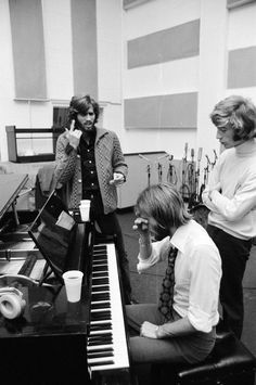 Run To Me: Reunited with his brothers in the studio, 1970