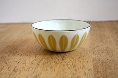 Vintage 60's Catherineholm LOTUS Bowl. $49.00, via Etsy.