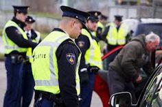 In de gaten gehouden worden door politie