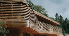 Steam Bent Cladding - Tom Raffield's house featured on Grand Designs 2016 with Kevin McCloud