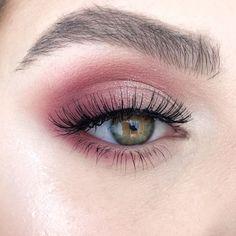 "something special ♡ History of eye makeup ""Eye care"", quite simply, ""eye make-up"" has always Makeup Eye Looks, Eye Makeup Tips, Makeup Hacks, Makeup Trends, Eyeshadow Makeup, Makeup Inspo, Makeup Inspiration, Makeup Eyes, Contouring Makeup"