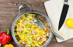 Paella mit Meeresfrüchten... Paella aux fruits de mer... #AMCRezept #AMCrecettes Olives, Recipe Details, Guacamole, Noodles, Macaroni And Cheese, Curry, Potatoes, Ethnic Recipes, Food