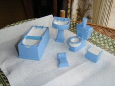 VINTAGE DOLLS HOUSE KLEEWARE? PALEBLUE BATHROOM SUITE BATH TOILET BASIN 1.16TH   eBay