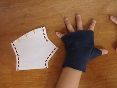 Best Image of Glove Sewing Pattern Glove Sewing Pattern How To Make Fingerless Mittens Vogue Sewing Patterns, Hat Patterns, Stitch Patterns, Knitting Patterns, Sewing Leather, Diy Leather Gloves, Mittens Pattern, Fingerless Mittens, Sewing Tutorials
