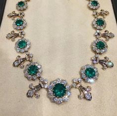 Royal Crown Jewels, Royal Jewelry, Gems Jewelry, I Love Jewelry, Luxury Jewelry, Gemstone Jewelry, Diamond Jewelry, Jewelry Box, Jewelery