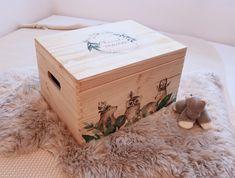Erinnerungskiste aus Holz | Geburtsgeschenk | Taufe | Hochzeit | Geburt | Urlaubserinnerungen |Alle Kisten sind individuell personalisierbar Decorative Boxes, Etsy, Home Decor, Instagram, Transfer To Wood, Crates, Craft Gifts, Handmade, Birthday