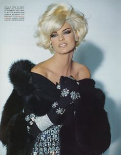 Linda Evangelista by Steven Meisal That old fashioned glamour in buckets!!