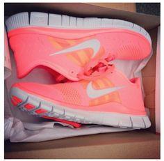 Pink trainings