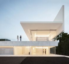 Hofmann House is a project designed by Fran Silvestre Arquitectos and is located in Rocafort, Valencia. Photography by Fernando Guerra Spanish Architecture, Minimalist Architecture, Residential Architecture, Architecture Details, Interior Architecture, Interior Design, Minimalist House Design, Minimalist Home, Villas