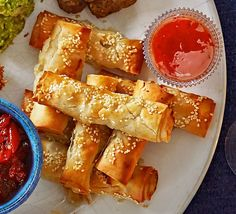 Fill filo pastry parcels with turkey or chicken mince, spring onions and ginger for a buffet nibble or party canapé similar to a spring roll