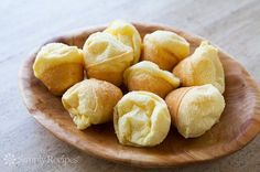 Easy Brazilian Cheese Bread Texas De Brazil, Tapioca Flour Recipes, Weed Recipes, Snack Recipes, Snacks, Yummy Recipes, Brazilian Cheese Bread, Cupcake Tray, Simply Recipes