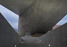 dezeen_Centro-Roberto-Garza-Sada-de-Arte-Arquitectura-y-Diseño-by-Tadao-Ando_ss_1