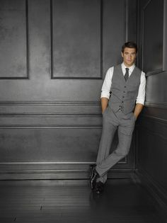 (gray trouser for office look)He as in Josh bowman is so hot! But I don't like his character on revenge. I'm obsessed with the show and I think he is so amazing at one time, but such a dummy at the next. Groom Attire, Groom And Groomsmen, Groom Vest, Groomsmen Attire Grey, Groomsman Attire, Groom Outfit, Wedding Men, Wedding Suits, Men Wedding Attire