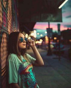 15 Poses ideales para fotos que te puede tomar tu amiga Photography Poses Women, Tumblr Photography, Photography Tips, Portrait Photography, Fashion Photography, Photography Business, London Photography, Photography Accessories, Photography Awards