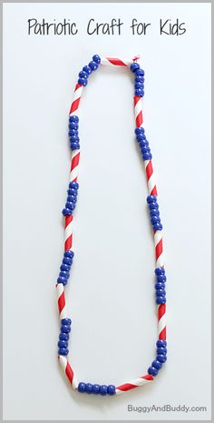 Patriotic Craft for Kids Great fine motor craft for toddlers! of July Craft for Kids: Patriotic Necklace~ Buggy and Buddy)Great fine motor craft for toddlers! of July Craft for Kids: Patriotic Necklace~ Buggy and Buddy) Daycare Crafts, Toddler Crafts, Preschool Crafts, Kids Crafts, Neon Crafts, Summer Crafts Kids, Summer Crafts For Preschoolers, Blue Crafts, Preschool Learning
