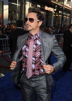 "Robert Downey Jr, stylin' at the ""Captain America"" premiere. Hot Men, Robert Jr, Robert Downey Jr., Ironman, Iron Man Tony Stark, Marvel Actors, Marvel Avengers, Downey Junior, New York"