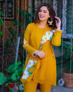 Beautiful Dress Designs, Stylish Dress Designs, Stylish Dresses, Simple Dresses, Beautiful Dresses, Casual Dresses, Fashion Dresses, Women's Fashion, Pakistani Fashion Party Wear