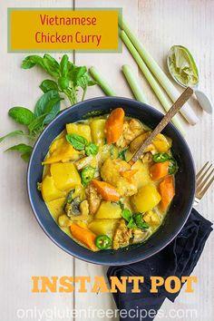 Vietnamese Pho Soup Recipe, Vietnamese Chicken Curry, Yellow Curry Chicken, Easy Chicken Curry, Curry Recipes, Soup Recipes, Asian Recipes, Dinner Recipes, Create A Recipe