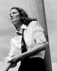 Woman / Black and White Photography Androgynous Women, Androgyny, Women Wearing Ties, Shalom Harlow, Tie Styles, Guys Be Like, Georgie, Timeless Fashion, Fashion Beauty