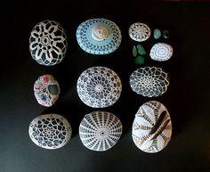 feathers, sea glass and covered sea stones | da knitalatte11