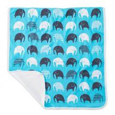 Babys haben es gerne weich und gemütlich. Eine tolle Babydecke zum Spielen, Schlafen und Wickeln ist dieses Modell der Marke DaviDFusseneggeLittlephant. Mit dem niedlichen Elefanten-Motiv in hübschen Farben ist sie ein toller, bunter Blickfang in jedem Kinderzimmer. Die Decke kann auch super auf Reisen mitgenommen werden.