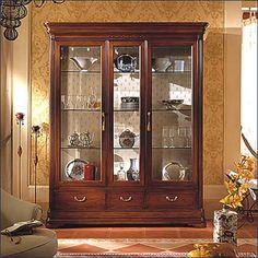 Curio Cabinet Decor, Crockery Cabinet, Cabinet Furniture, Home Decor Furniture, Furniture Design, Dining Room Storage, Dining Room Design, Bookcase Styling, Living Room Furniture Arrangement