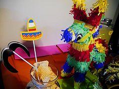 Decorations at a Cinco de Mayo party #cincodemayo #partydecor