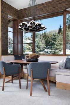 Breakfast nook with style
