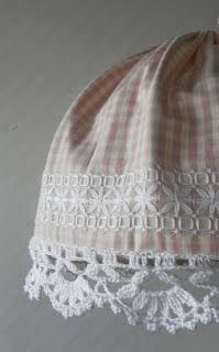 lampshade with gingham fabric---add some chicken scratch and crocheted edging! Cross Stitch Embroidery, Hand Embroidery, Bordado Tipo Chicken Scratch, Swedish Embroidery, Chicken Scratch Embroidery, Swedish Weaving, Gingham Fabric, French Fabric, Crochet Borders