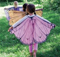 Here are 100 Cool Halloween Costumes for Kids ideas which you can DIY and make Halloween special for your kids. These Kids Halloween Costume are the best. Fabric Butterfly, Butterfly Party, Butterfly Wings Costume, Butterfly Birthday, Butterfly Halloween Costume, Fairy Wings Costume, Halloween Kostüm, Halloween Costumes, Diy Kids Costumes