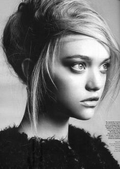 >> Gemma Ward hasn't been a presence on the runways since the Spring 2008 season a year ago, but she's followed through with her no-retirement promise.  It's no Vogue Italia of yesteryear, but she appears on the cover and inside the October