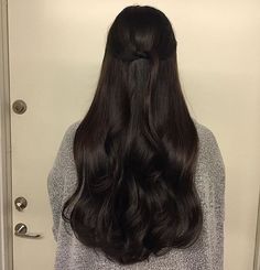 ideas hair styles long black hair for 2019 Long Dark Hair, Light Brown Hair, Black Brown Hair, Black Curls, Natural Black Hair, Dark Brown, Brown Hair Men, Natural Brown, Pretty Hairstyles