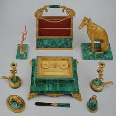 Bureauset van malachiet en verguld brons van koningin Anna Paulowna.