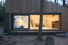 Image 14 of 37 from gallery of Lake Cabin / FAM Architekti + Feilden+Mawson. Photograph by Tomas Balej