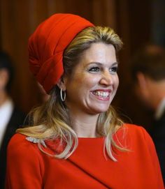 Queen Máxima has certainly embraced the modified toque hat as one of her go-to hat styles. When she debuted a new red toque last week for Prinsjesdag, I had a sense of deja vu and I suspect some of…
