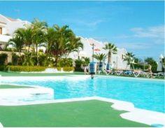 Apartamento Santa Cruz Tenerife  Amplio Apartamento de 60m2 dormitorio en el Complejo Sand Club. El Apartamento dispone de Cocina en estilo Americano un agradable salón con sofa cama que da a la terraza y al jardin privado cuarto de baño con bañera y un bonito dormitorio doble. Golf del Sur está situado en la costa sur de Tenerife. El complejo Sand Club es un complejo encantador a corta distancia en coche desde el aeropuerto. Como su nombre indica se trata de una zona que dispone uno de los…