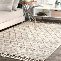 Shop The Curated Nomad Ashbury Ivory Moroccan Diamond Stripe Fringed Area Rug - Overstock - 25416461 Morrocan Decor, Moroccan Lanterns, Moroccan Area Rug, Moroccan Style, Moroccan Theme, Moroccan Bedroom, Moroccan Interiors, Rugs Usa, Indoor Rugs