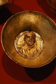 Bowl or Phiale Thracian gold Sofia,Bulgaria