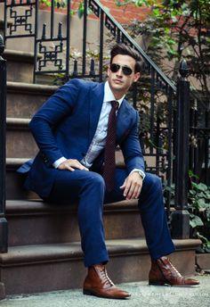 Mens Fashion Suits, Boy Fashion, Mike Suits, Dr Mike Varshavski, Interview Outfit Men, Navy Blue Suit, Designer Suits For Men, Mens Sport Coat, Business Shirts