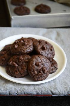 When I first heard of brookies, they used to be very different from what we know as brookies now. The first version of brookies used to have a choco chip cookie base and a brownie top. When basked … Baked Doughnut Recipes, Easy Cookie Recipes, Brownie Recipes, Sweet Recipes, Cake Recipes, Eggless Desserts, Eggless Recipes, Eggless Baking, Fancy Desserts