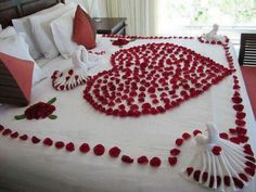Romantic honeymoon bed #weddbook #wedding #red #romance #romantic