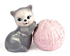 Capture the cuteness overload of our Kitten & Yarn Salt & Pepper Shakers! Adorable and kitsch, this set is a must-have! Heighten the taste of your food as well as the ambiance in your kitchen! This