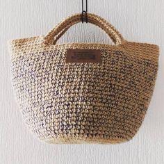 中サイズをネイビーの糸×麻紐で編みました。 #トートバッグ #かごバッグ #バッグ #麻紐 #麻紐バッグ #麻ひも #麻ひもバッグ #かぎ針編み #かぎ編み #手編み #手編み小物 #手編みバッグ #あみもの #編み物 #編み小物 #ハンドメイド小物#ハンドメイド#ハンドメイドバッグ #crochet #knitting #yarn #handmade #bag