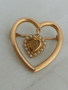 Stunning Victorian Citrine and seed Pearl 15ct gold sweetheart brooch