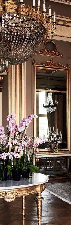 45 Ideas house interior luxury mansions for 2019 Adidas Samba, Adidas Superstar, Adidas Sl 72, Interior Exterior, Luxury Interior, Luxury Decor, Paris Appartment, Yeezy, Adidas Originals