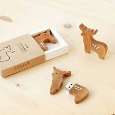 source for usb products worldwide. Get your logo custom printed on a USB Flash Drive at bulk wholesale prices. Promotional, Printed with Logo USB, Bulk USB. Wood Reindeer, Tech Gadgets, Cool Gadgets, Electronics Gadgets, Usb Drive, Usb Flash Drive, Usb Packaging, Hub Usb, School Supplies